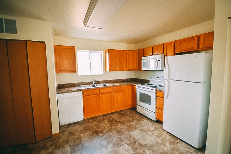 The Gardens Apartments Farley Iowa two 2 bedroom 1 bathroom apartments